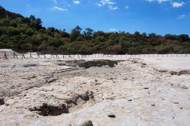 Cratère de la Solfatara - boue en ébullition