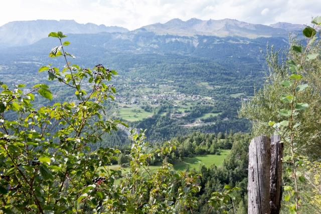 Bisse de Lens : vue sur la vallée du Rhône